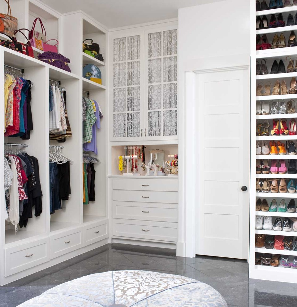 walk in closets by design photo - 8