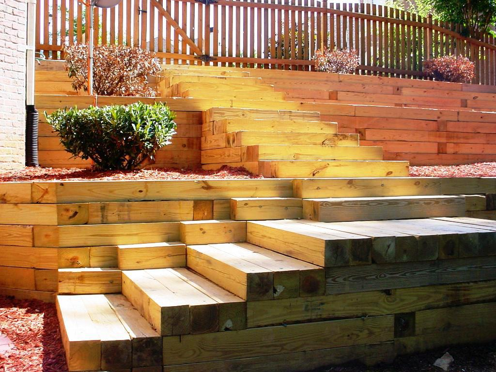 wood retaining wall design example photo - 5