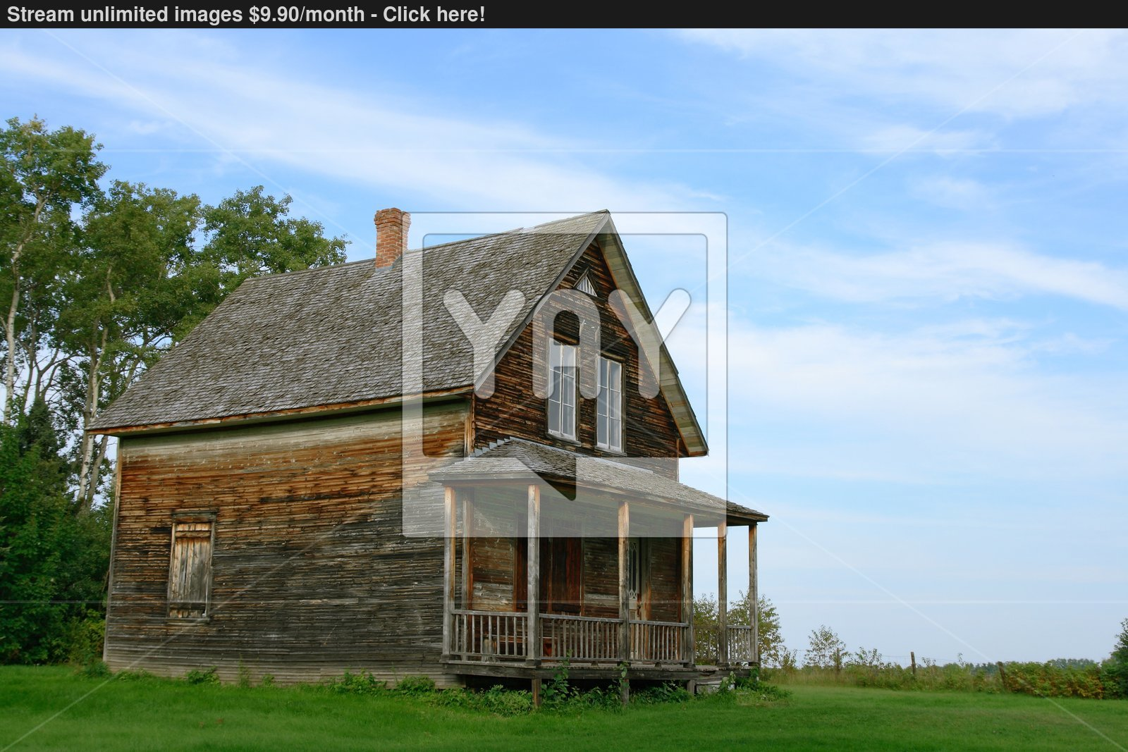 wooden country house photo - 4