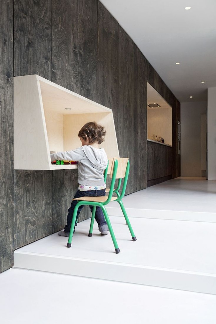 Wall mounted desks for kids
