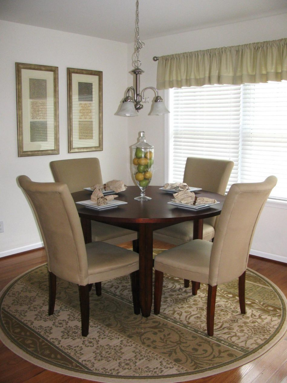 Small Circle Dining Room Table photo - 3