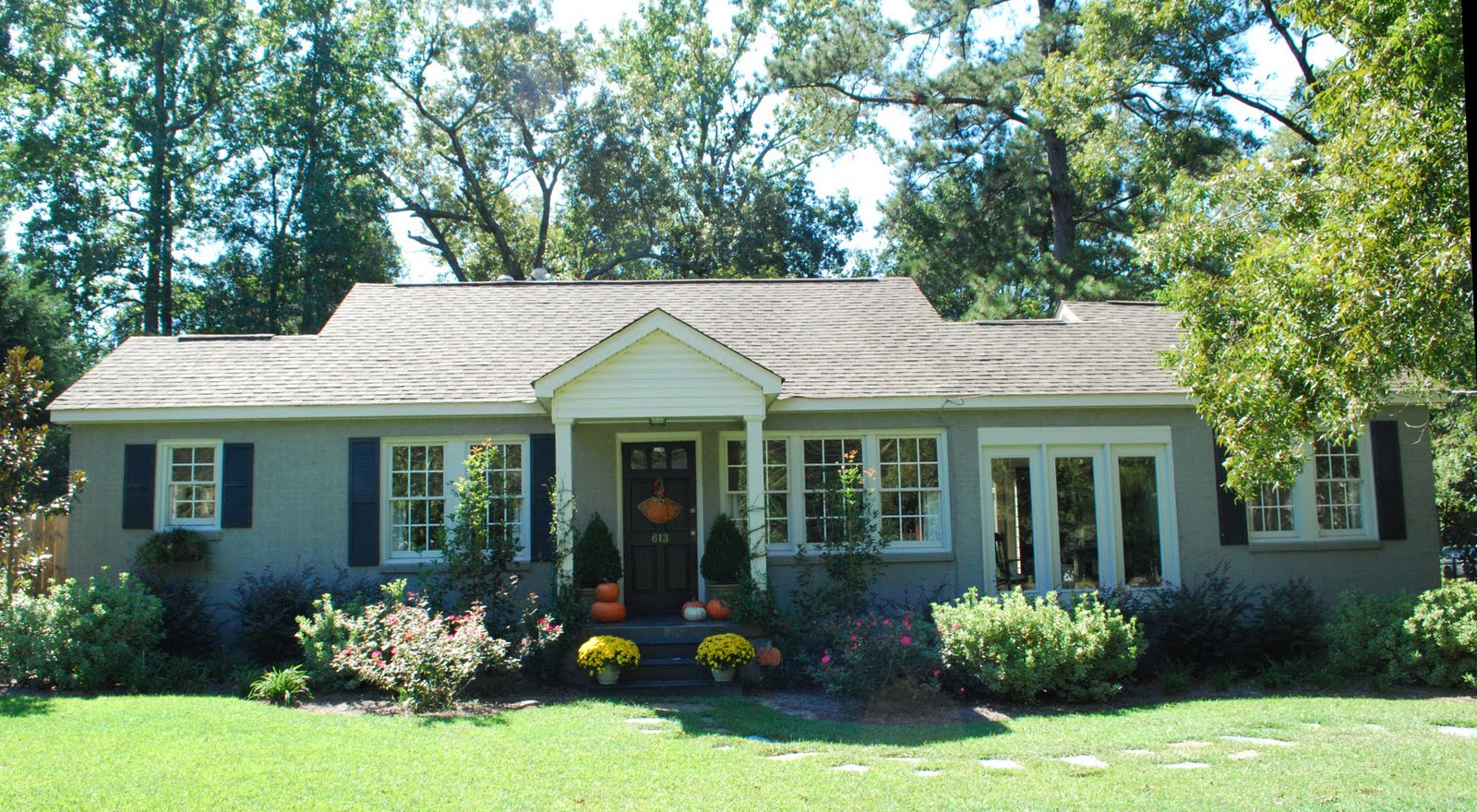 exterior paint colors for brick homes photo - 3
