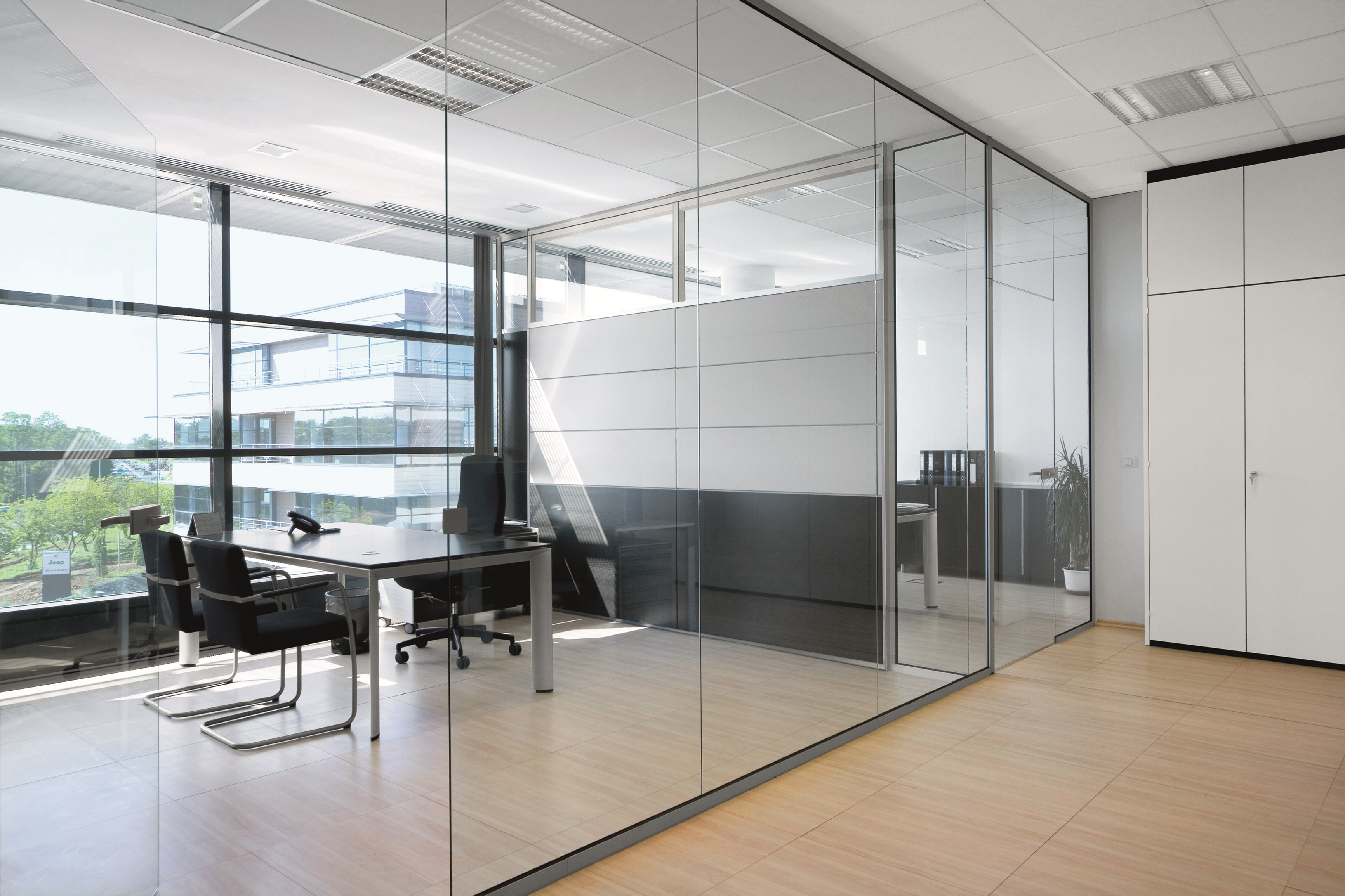 office partition glass walls photo - 3
