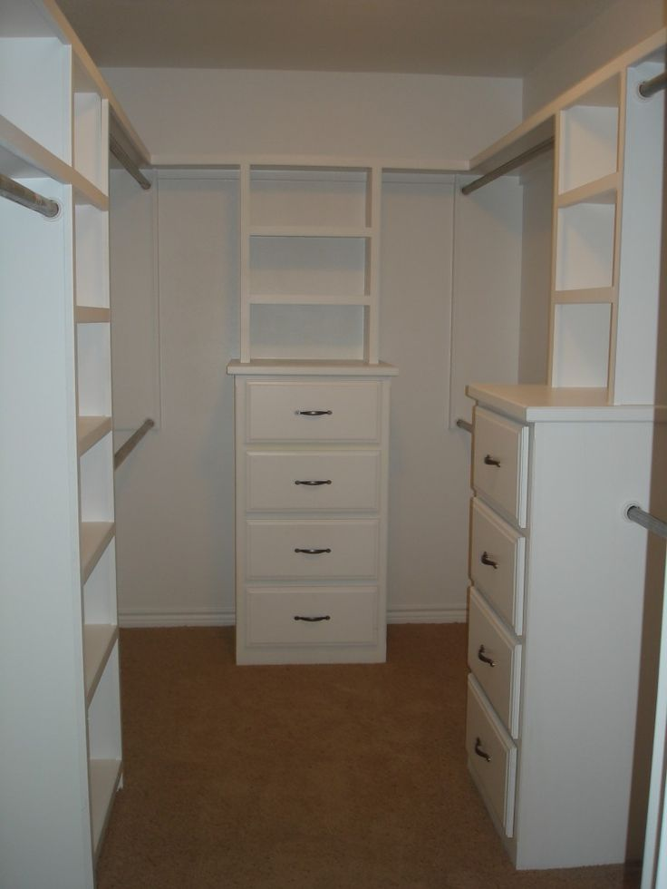 small walk in closet design layout photo - 10