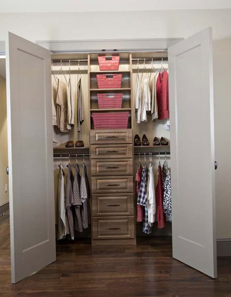 small walk in closet design layout photo - 8