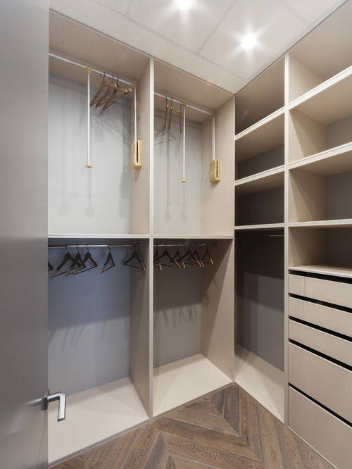 walk in closets by design photo - 10